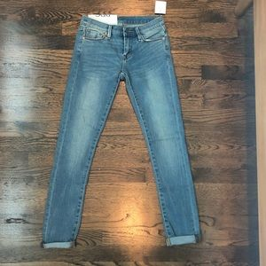 NWOT BDG Twig Mid Rise Jeans 25W